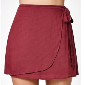Kendall and kylie wrap around maroon skirt